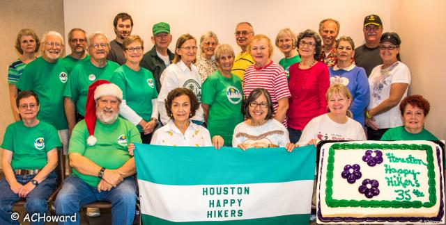 HoustonHappyHikersTexas-35thAnniversary-Group-Cake-88.jpg